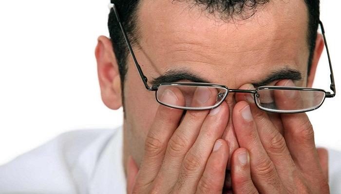 Болят глаза и голова