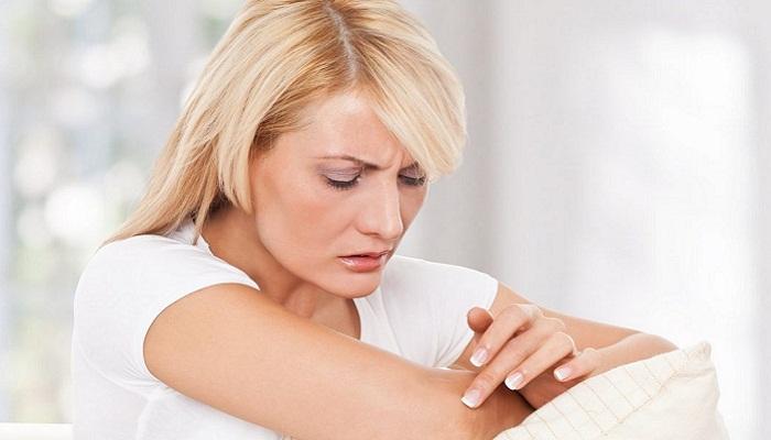 Болит рука между плечом и локтем