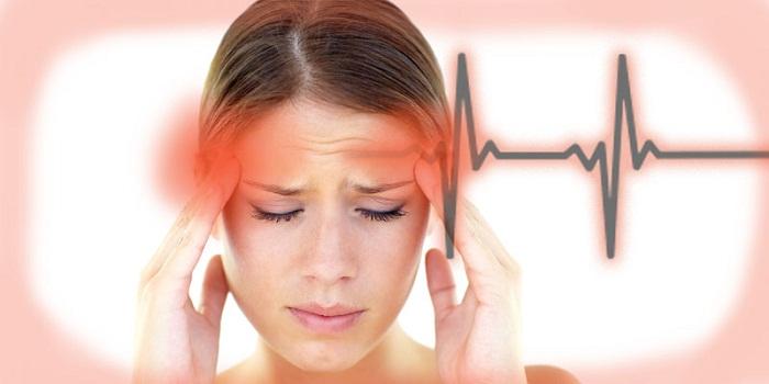 Острый тромбоз внутренней сонной артерии