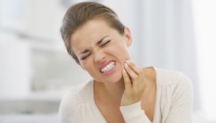 Боль после удаления нерва в зубе