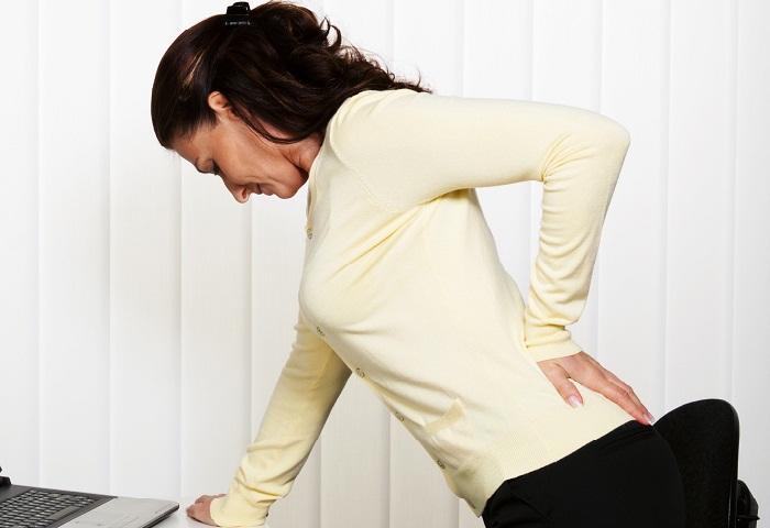 Боль в спине справа ниже поясницы