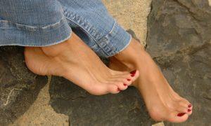 болят ступни ног