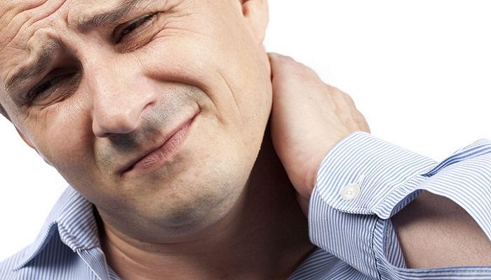 Боль в шее слева