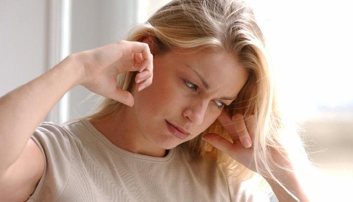 Боль внутри уха