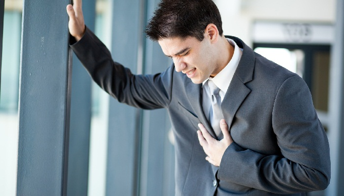 Болит грудь у мужчины