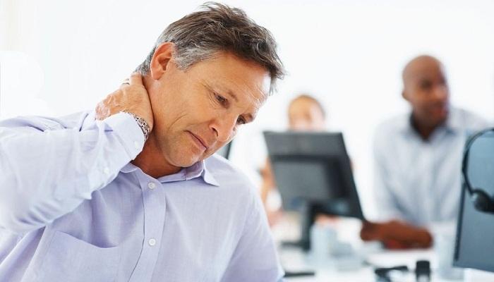 Болит шея, кружится голова