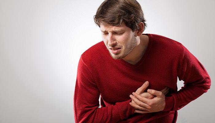 Болит в левой части груди